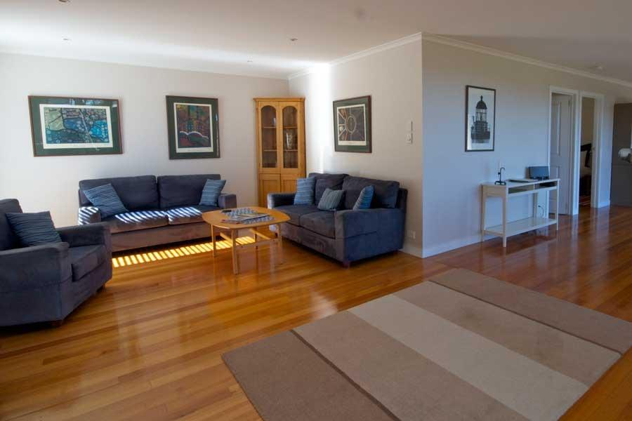 eagle peaks freycinet coles bay tasmania east coast. Black Bedroom Furniture Sets. Home Design Ideas