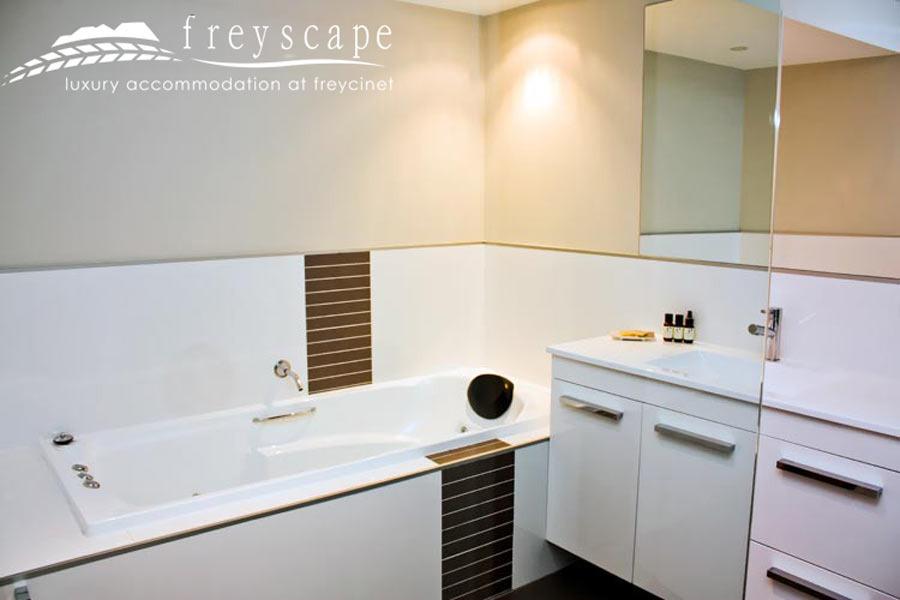 Freyscape Bathroom East coast Tasmania