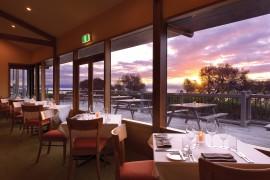 the bay restaurant freycinet lodge