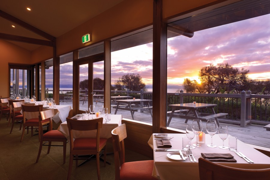 the bay restaurant freycinet lodge