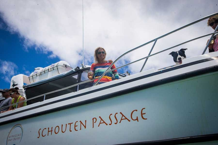 Wineglass bay cruises dog
