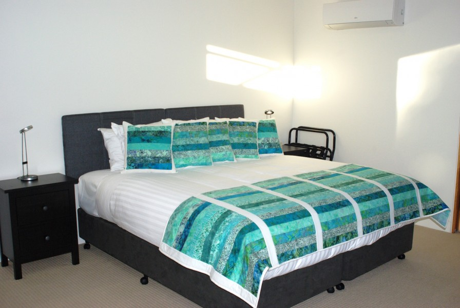 malting lagoon guest house coles bay accommodation