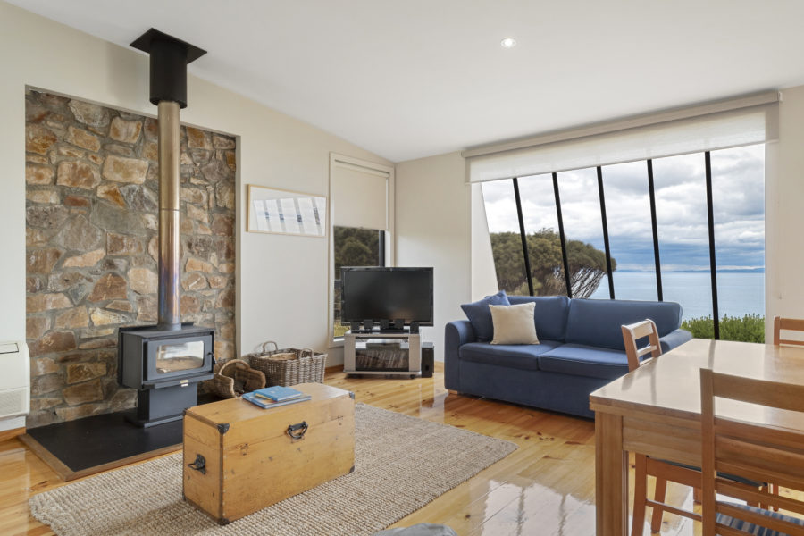 holiday accommodation, coles bay, great eastern drive