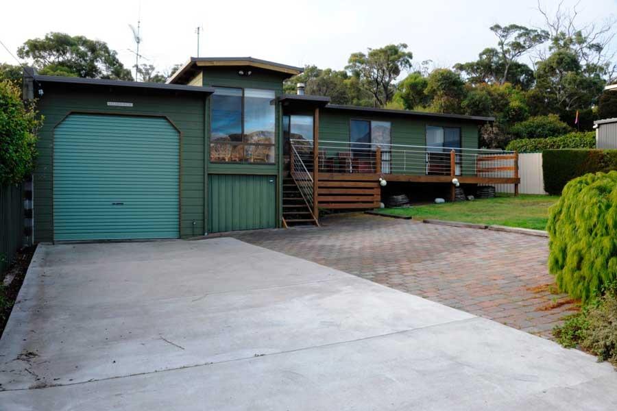 Freycinet holiday accommodation Tasmania