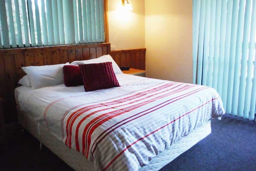 Unit 2 Bedroom Freycinet