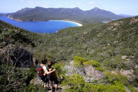 Walking Wineglass Bay Freycinet