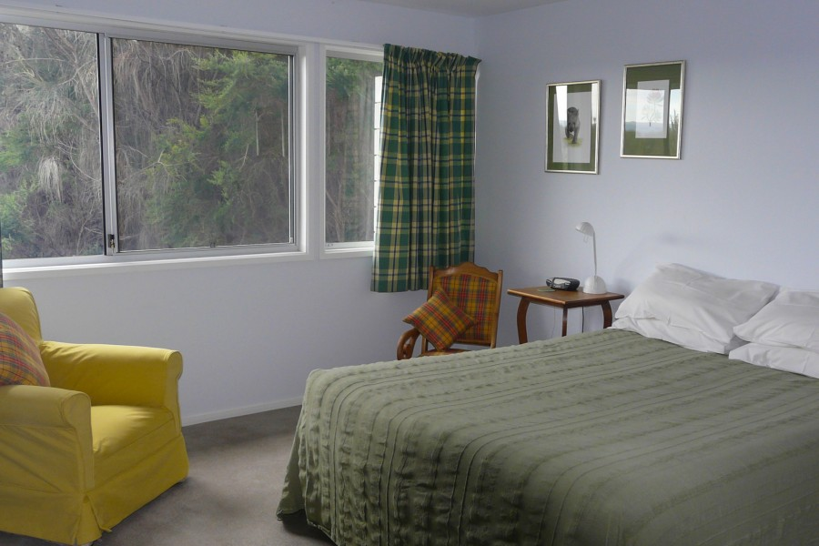 sheoaks bedroom, freycinet accommodation
