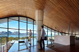 Foyer Saffire Coles bay