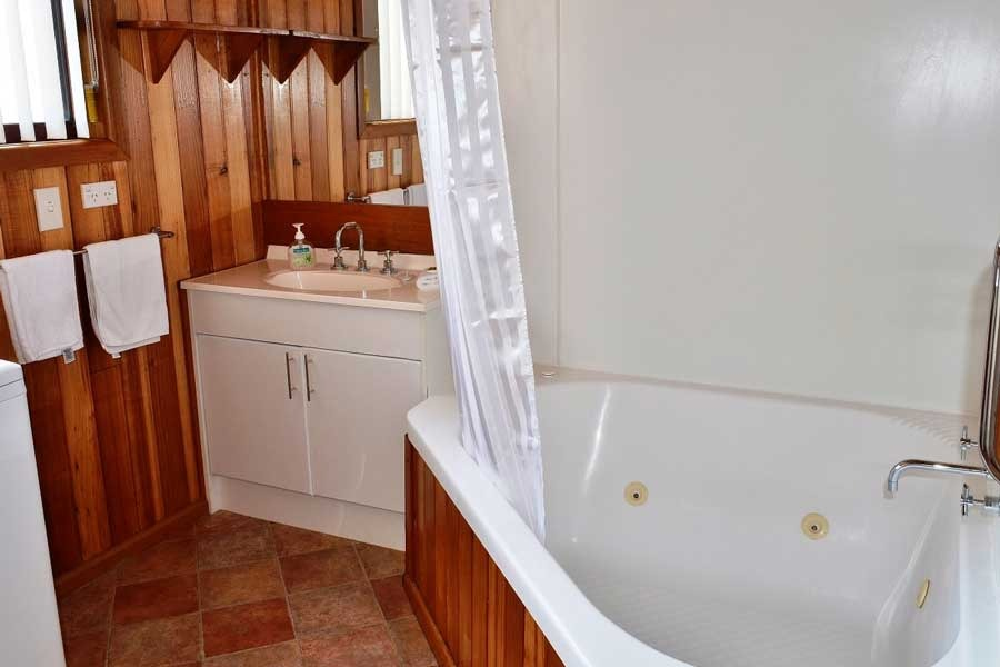 Freycinet sands Bathroom