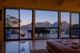 Great Eastern Drive, ArtHouse Freycinet, accommodation